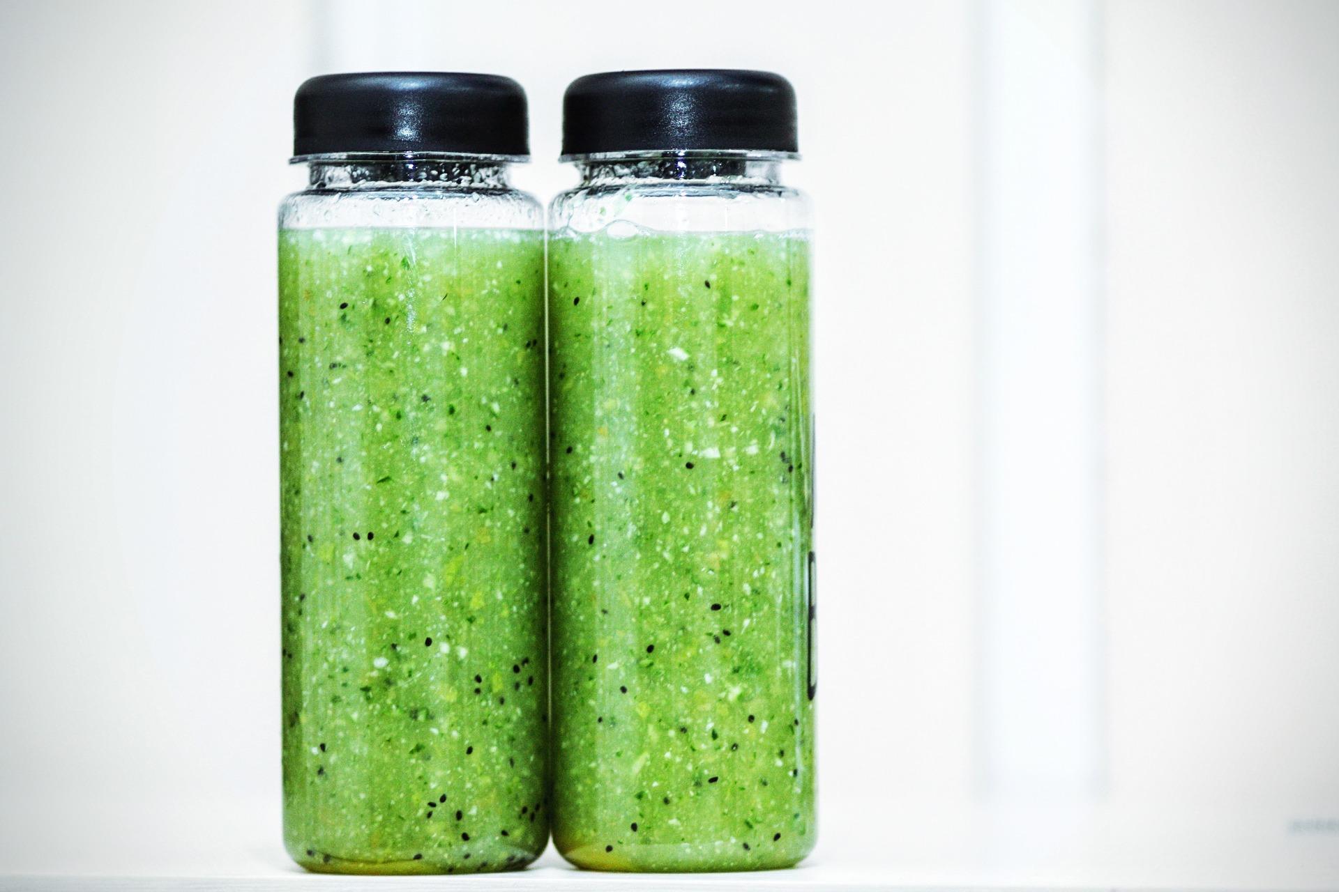 Grön detoxjuice