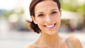 bleka tänderna exempel med vitt leende